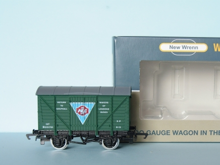 "NEW WRENN W7000A Vent Van ""AEC"" - Green - Limited Edition"