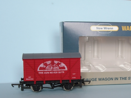 "NEW WRENN W7002A ""Albion"" Vent Van - Red - Limited Edition"