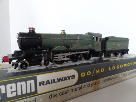 "Wrenn W2247 ""Clun Castle"" - GWR Green - Late P3 Issue"
