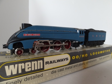 "Wrenn W2212.A ""Sir Nigel Gresley"" A4 Class - LNER /Garter Blue - Late P3 Issue"