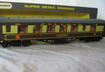 "Wrenn W6012 ""Pegasus"" Golden Arrow Pullman-Brown Tables"