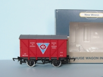 "NEW WRENN W7000B Vent Van ""AEC"" - Red - Limited Edition"