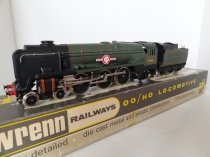 "Wrenn W2238 ""Clan Line"" BR Green Locomotive - 35028 - P3 Issue"