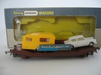 W4625P Auto Distributors Wagon with Car and Caravan Load